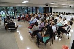 Público assistindo à palestra do Prof. Filemon Felix.