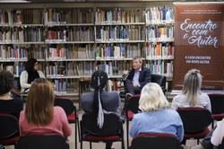 Público no Encontro com o Autor com André Giusti.
