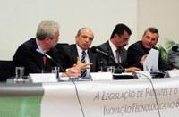 E/D: Dep. Newton Lima, Dep. Inocêncio Oliveira, Armando Ennes do Valle (Whirlpool) e Eduardo Copetti (Semeato)