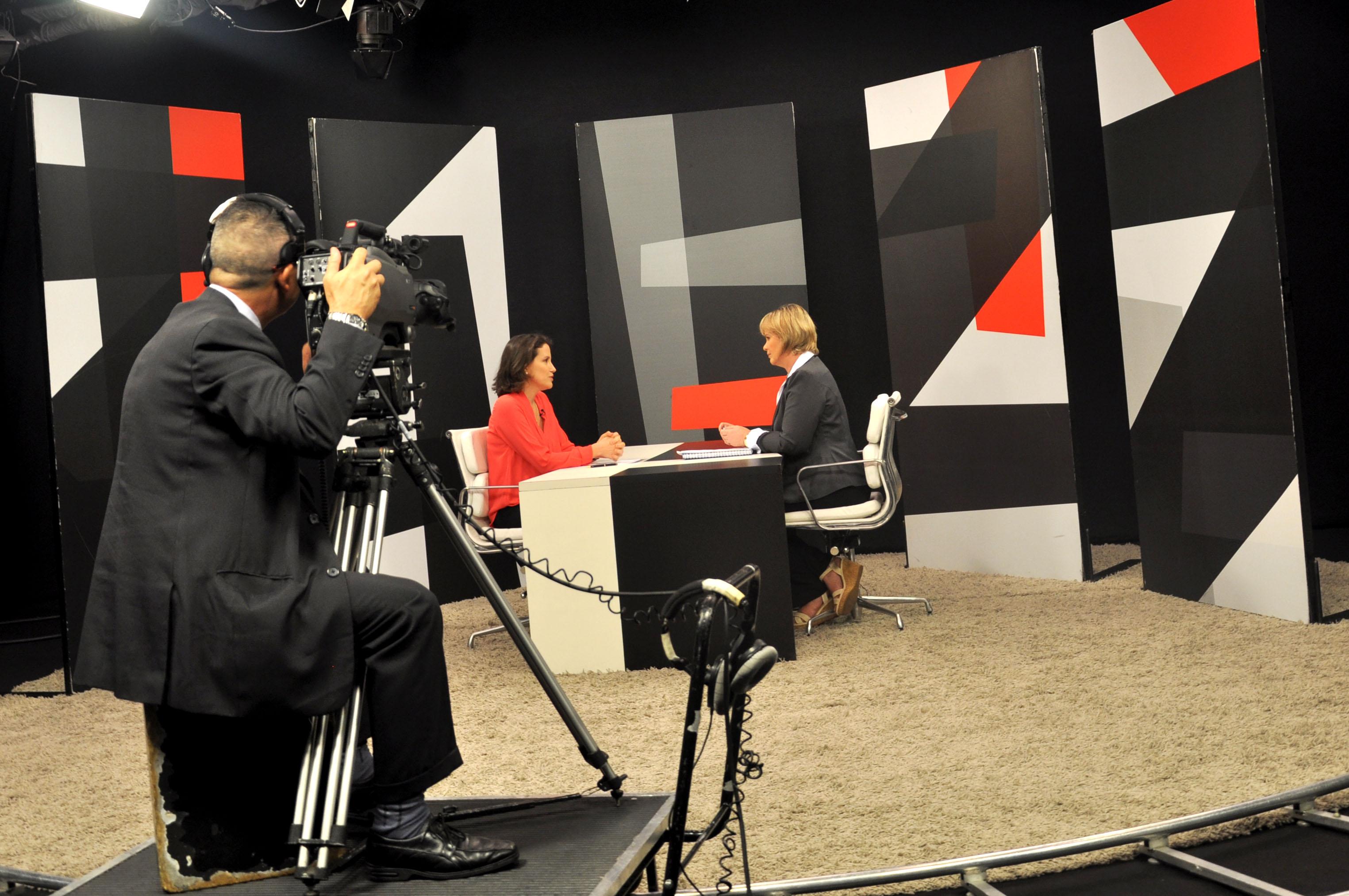 Na TV Câmara, deputada Ana cobra transparência e obras do Governo de SP