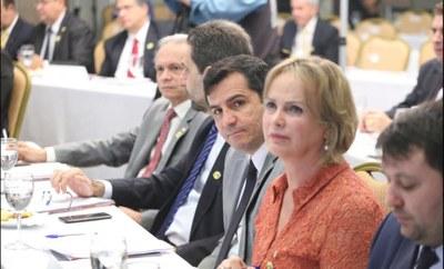 Ana Perugini integra bancada em defesa dos municípios na Câmara Federal