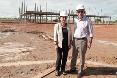 Senador Capiberibe e deputada Janete constatam avanço na obra do Hospital de Barretos em Macapá