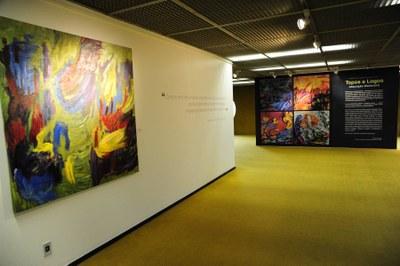registro exposição Topos e Logos - foto de Lúcio Bernardo Jr.