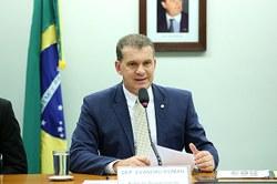 Comissão aprova concessão de faixas de domínio de rodovias para lavouras