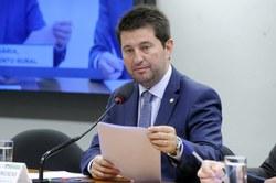 Comissão aprova prazo para governo regulamentar liquidação de dívida rural