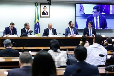 Divergências marcam debate sobre inclusão de serviço de streaming na lei de TV paga