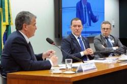 Câmara vai acompanhar ações para coibir aumento abusivo de tarifas bancárias