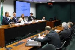 Explicações da agência que fiscaliza planos de saúde não convencem deputados