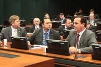 """Rodrigo Martins questiona Anac sobre defesa de cobrança de bagagens em voos"""""""