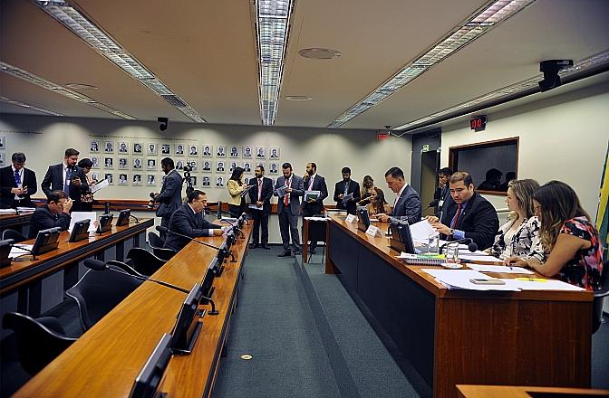 CDEICS CONVIDA MINISTRO MARCOS PEREIRA E KASSAB PARA DEBATE.