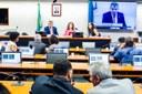 Projeto de lei prevê rádio FM obrigatório nos celulares brasileiros