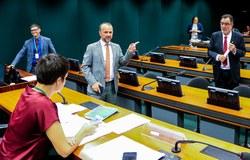 CDHM debate com a sociedade civil a situação dos conselhos e comissões do governo federal