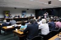 Impactos sociais e ambientais do modelo minerador são denunciados; sindicalistas pedem mudanças no marco regulatório
