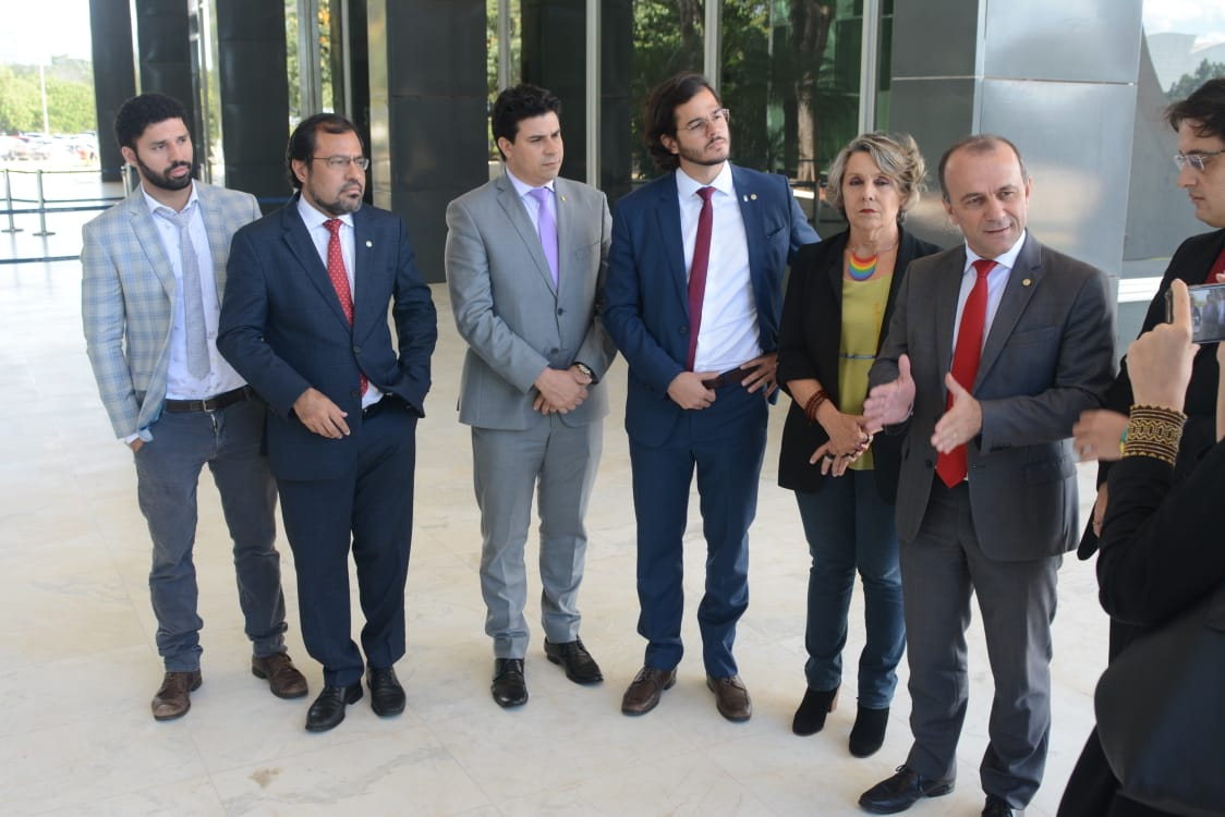Comitiva suprapartidária vai ao STF pedir criminalização da homofobia