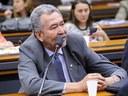 """Deputado Paulão cobra providências após mais um assassinato de pessoa em situação de rua: """"Há um genocídio em Alagoas"""""""