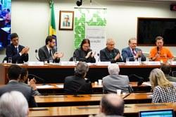 """Audiência Pública, em 04/04/19,  sobre  a """"Reforma da Previdência e seus impactos sobre os professores""""."""