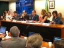 Ministro defende atenção à educação básica na Reunião da Comissão de Educação