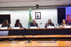 Comissão debate proteção à mulher atleta