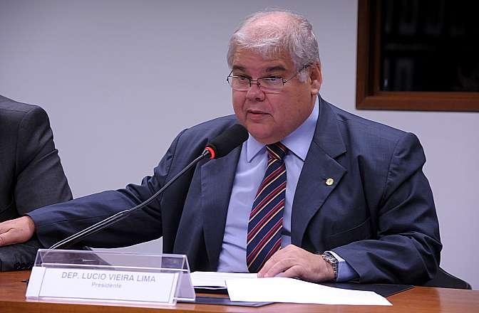 Finanças aprova nova regulamentação para franquias, incluindo o setor público