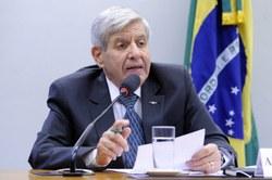 General Augusto Heleno nega 'qualquer possibilidade' de novo AI-5