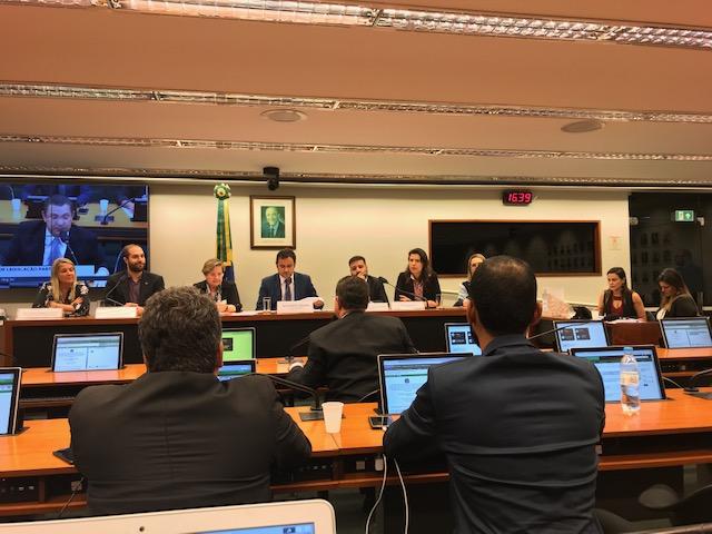CLP aprova saque do PIS por trabalhador desempregado