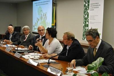 O tema do segundo painel foi redução de impactos ambientais.