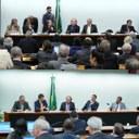 Ministros prestam esclarecimentos na CMADS