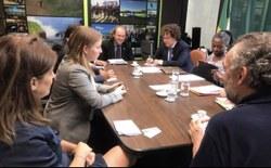 Rodrigo Agostinho debate sustentabilidade com deputados franceses