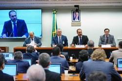 Bolsonaro assume presidência da CREDN e destaca relações com parceiros tradicionais