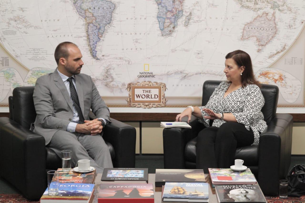 Presidente da CREDN reúne-se com a embaixadora María Teresa Belandria