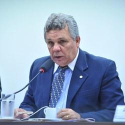 Comissão aprova proposta que regulamenta indenização a presos em situação degradante