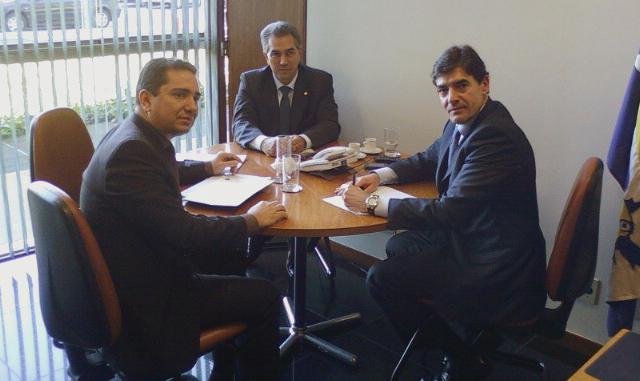 Mendonça Prado conquista a adesão do líder do PSDB em prol da PEC 300