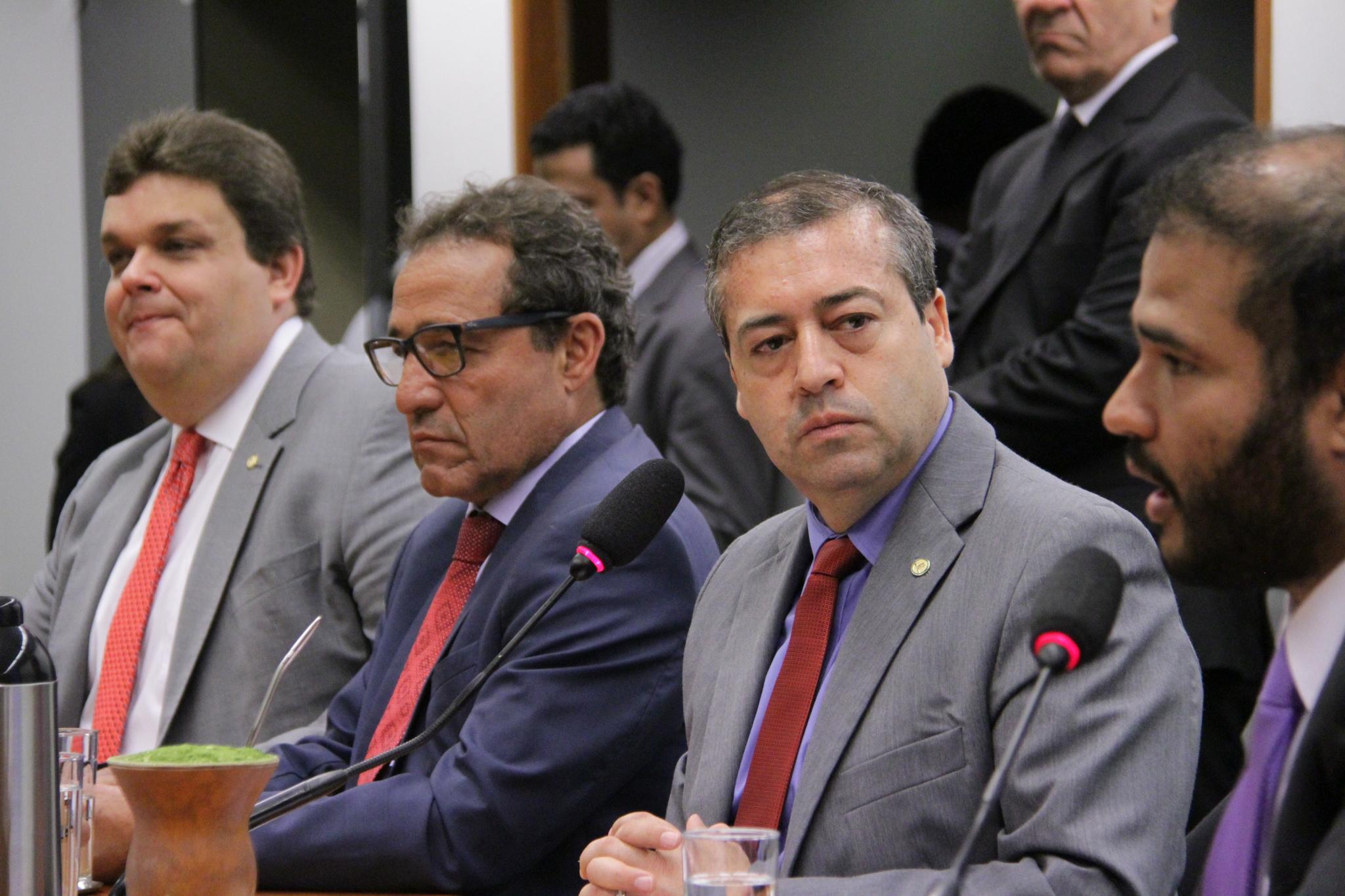 Ronaldo Nogueira é eleito por unanimidade para presidir a Comissão de Trabalho