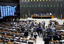 Deputados aprovam PEC do Orçamento Impositivo em 1º turno