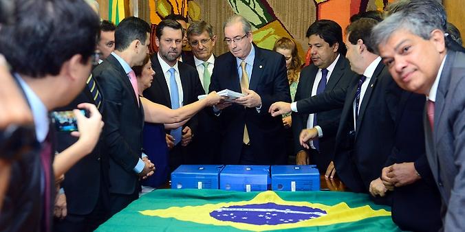 Líderes da oposição (DEM, PSDB, PPS e Solidariedade) entregam novo pedido de impeachment ao presidente da Câmara, dep. Eduardo Cunha (PMDB-RJ)