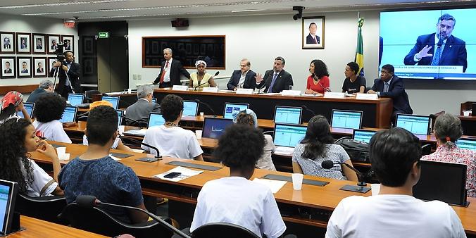 Mesa redonda em parceria com o UNICEF para discutir a desigualdade Étnico-Racial, Direitos e Cidadania