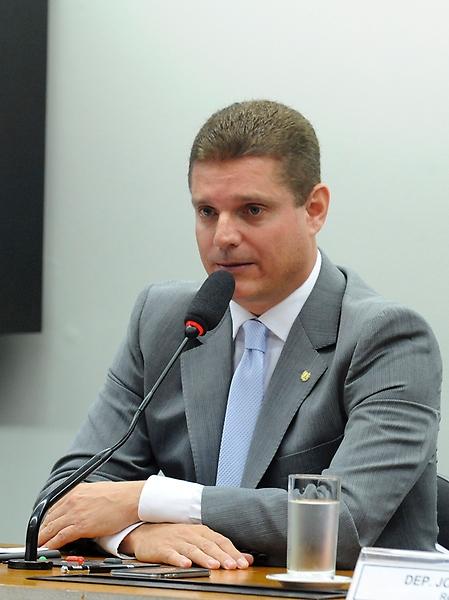 Reunião destinada a discutir os relatórios setoriais dos quatro sub-relatores da comissão. Presidente da CPI, dep. MArcos Rotta (PMDB-AM)