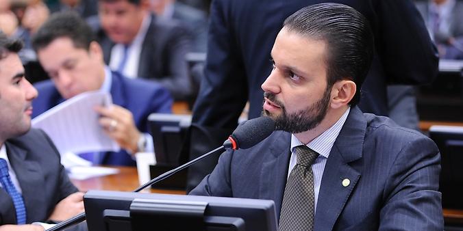Reunião para votação do relatório final, apresentado pelo dep. José Rocha (PR-BA). Dep. Alexandre Baldy (PSDB-GO)