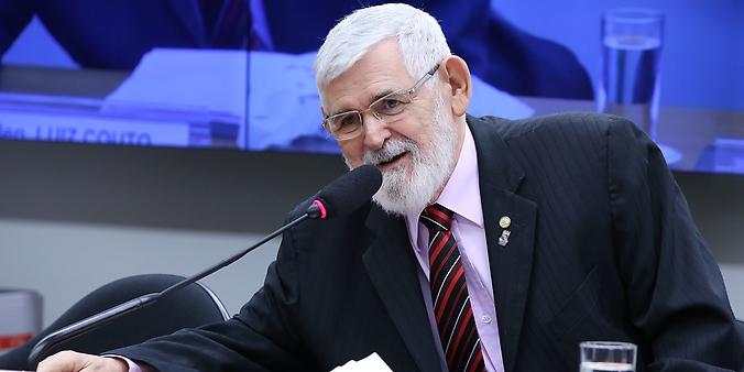 Mesa Redonda sobre as demandas da Sociedade Civil organizada. Dep. Luiz Couto (PT-PB)