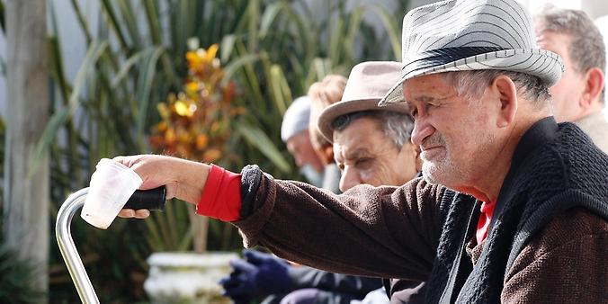 Direitos Humanos - idoso - terceira idade doenças saúde asilos solidão idosos velhice socialização