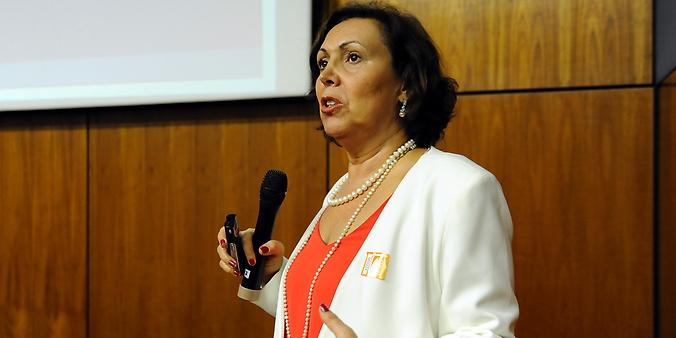 Seminário Perspectivas brasileiras com o envelhecimento da população: tendências para 2050. Palestrante Ana Amélia Camarano