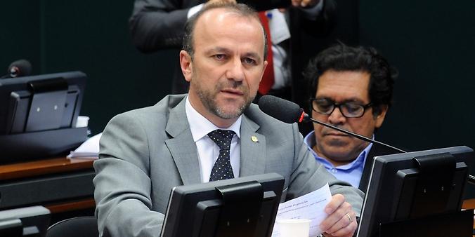 Audiência pública para tomada de depoimento do presidente do CARF e ex-Secretário da Receita Federal do Brasil, Carlos Alberto Freitas Barreto. Dep. Helder Salomão (PT-ES)