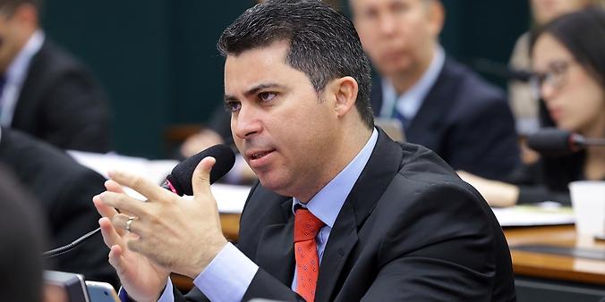 Comissão Parlamentar de Inquérito com a finalidade de investigar denúncias e supostas irregularidades na concessão do seguro de danos pessoais causados por veículos automotores de vias terrestres – DPVAT. dep Marcos Rogério (DEM-RO)