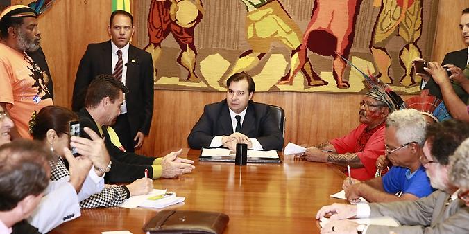 Presidente da Câmara, Dep. Rodrigo Maia faz reunião com representantes indígenas