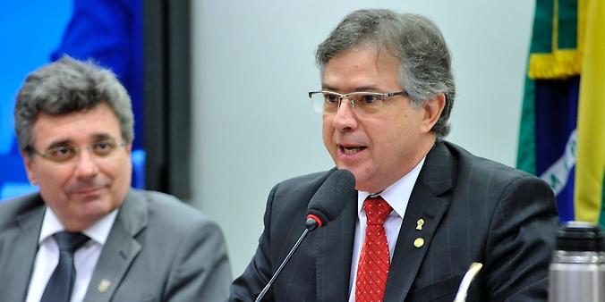 Audiência pública para debater sobre o PL 4850/16, que estabelece Medidas Contra a Corrupção. Dep. Joaquim Passarinho (PSD-PA)