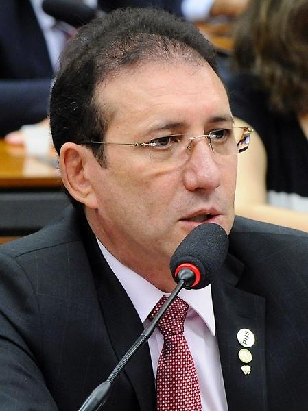 Deputados - Adail Carneiro