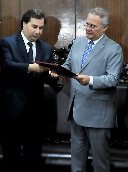 Entrega da PEC 241 no Senado - Presidente da Câmara Rodrigo Maia e Presidente do Senado Renan Calheiros