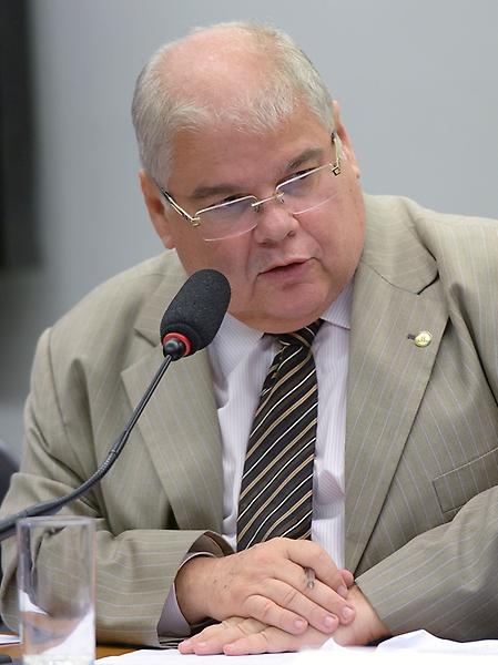 Reunião de instalação da comissão e eleição do Presidente e dos Vice-Presidente. Dep. Lucio Vieira Lima (PMDB - BA)