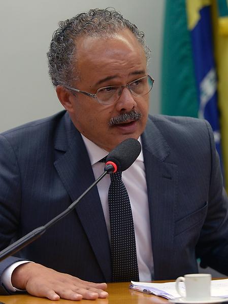Reunião de instalação da comissão e eleição do Presidente e dos Vice-Presidente. Dep. Vicente Candido (PT - SP)