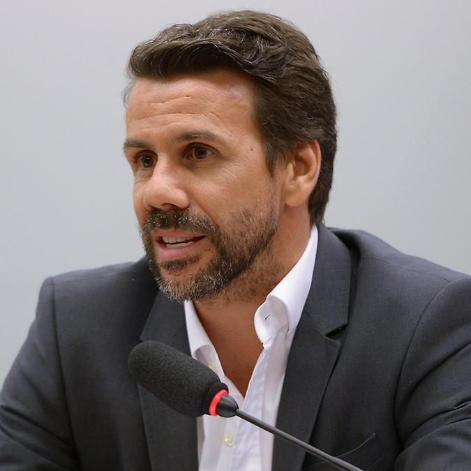Audiência pública para discutir ações de combate e prevenção à violência sexual virtual contra as mulheres. Diretor-Geral da Motion Picture Association no Brasil, Ricardo Castanheira